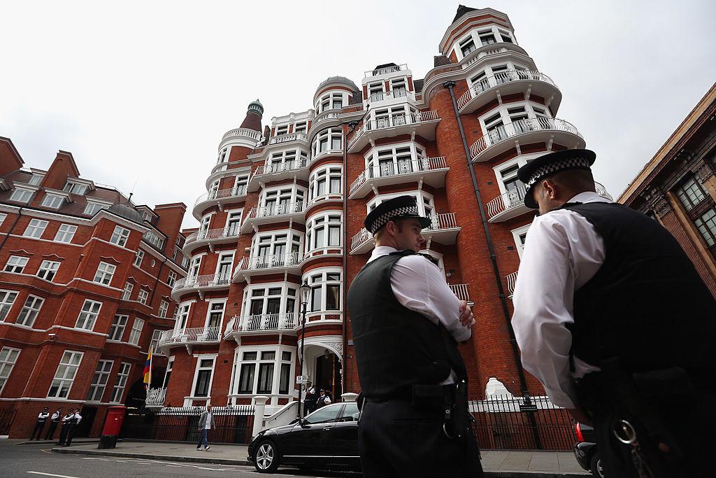 Здание посольства Эквадора в Лондоне