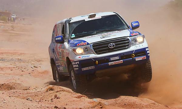 Серийный экстрим: как Toyota рискует на «Дакаре»