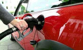 Госдума просит правительство стабилизировать цены на топливо