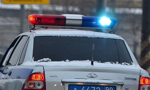 Пьяный водитель сбил полицейского и протаранил 2 служебных машины в Москве