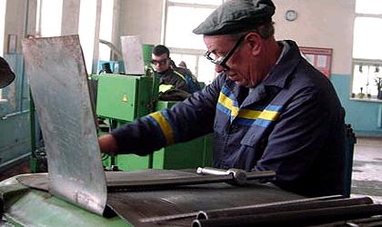 Российские заводы закрываются