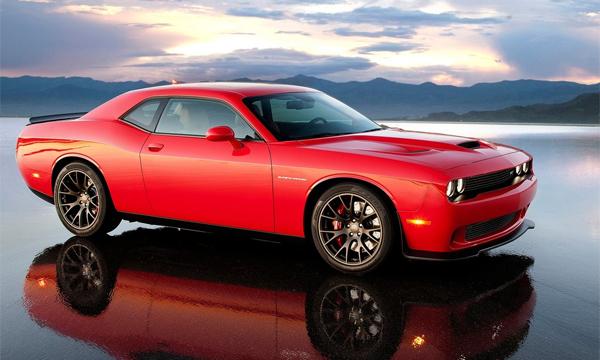 Dodge представил 600-сильный Challenger