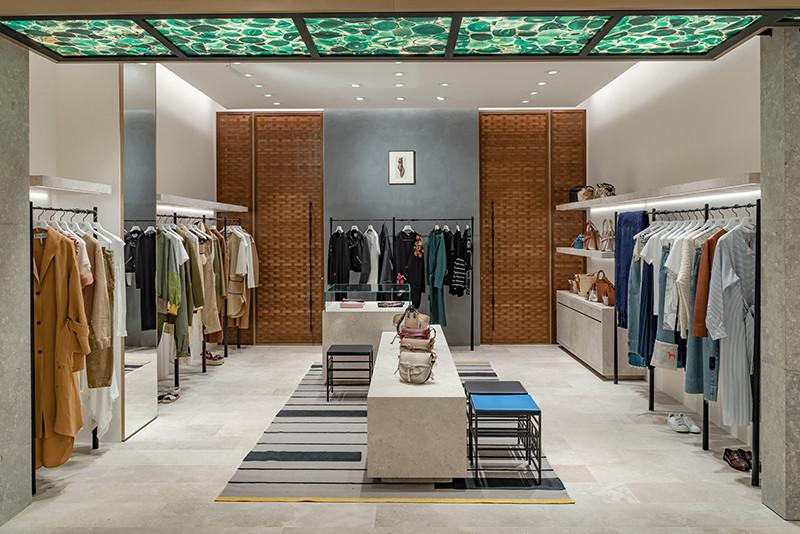 Новое пространство испанского бренда Loewe в ЦУМе