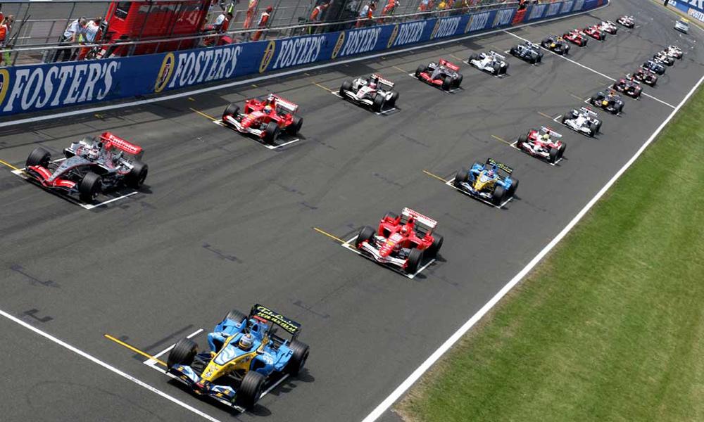 Формула-1 меняет регламент за месяц до старта