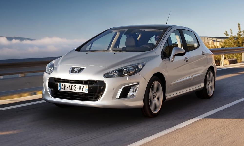 Новый Peugeot 308: без USB, но с панорамной крышей
