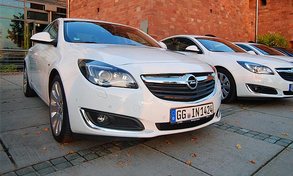 Обновленный, одаренный. Тест-драйв Opel Insignia