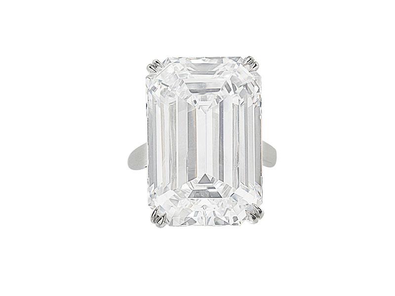 Кольцо с бриллиантомцвета D (28,86 карата)