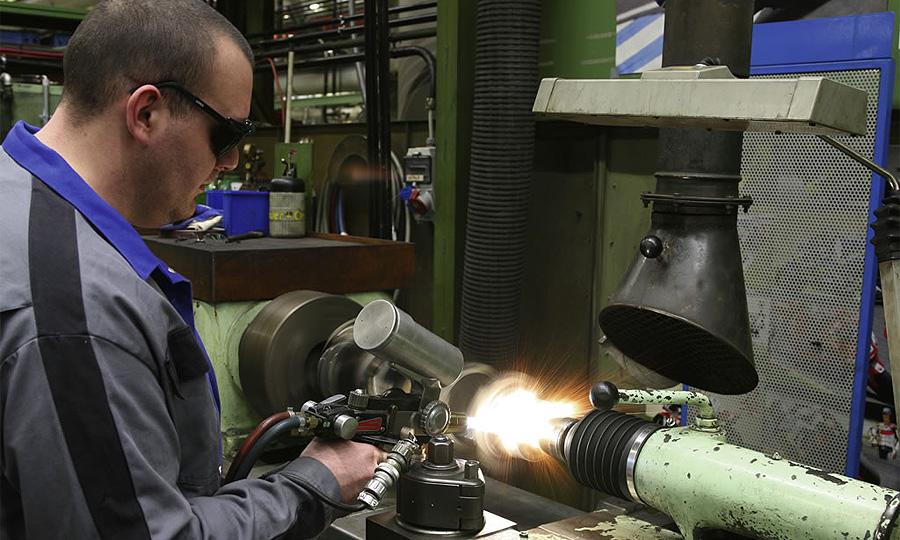 Профсоюз АвтоВАЗа просит перенести ряд производств в Тольятти