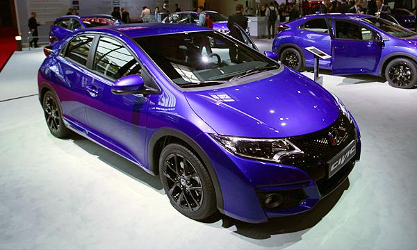 Honda Civic научили самостоятельно тормозить перед препятствиями