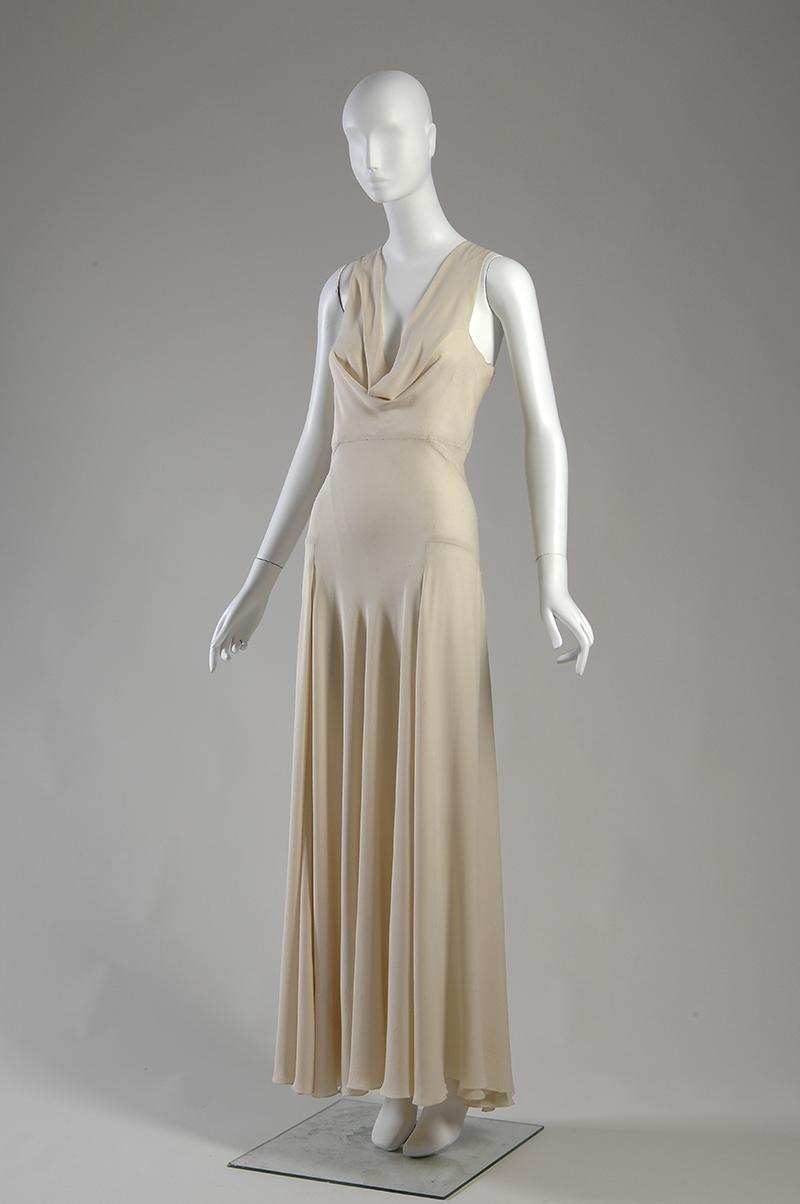 Платье из шелкового крепа, созданное Мадлен Вионне в 1932 году