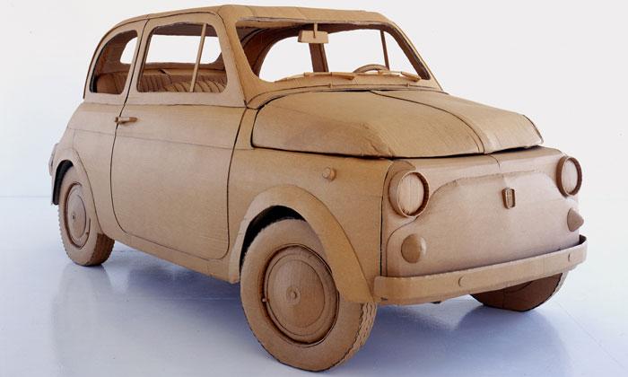 Итальянский дизайнер создает автомобили из картона