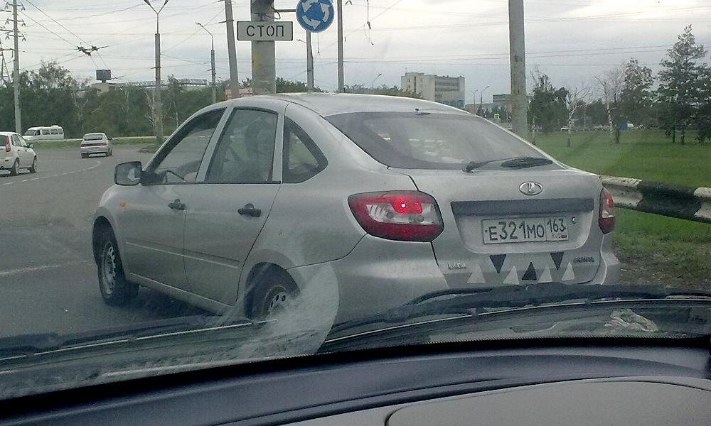 Lada Granta засняли в новом кузове. ФОТО