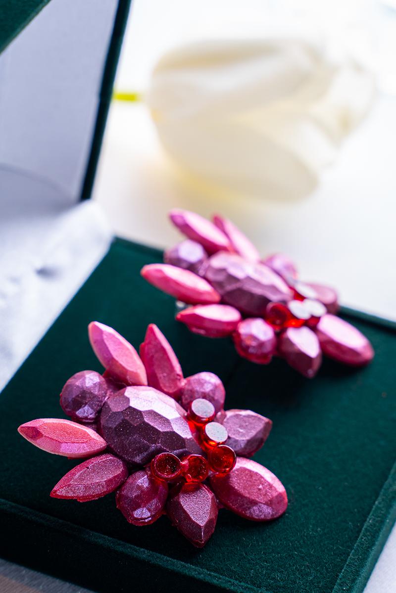 Карамельные серьги из самоцветов в White Rabbit