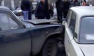 В Екатеринбурге столкнулись 14 автомобилей