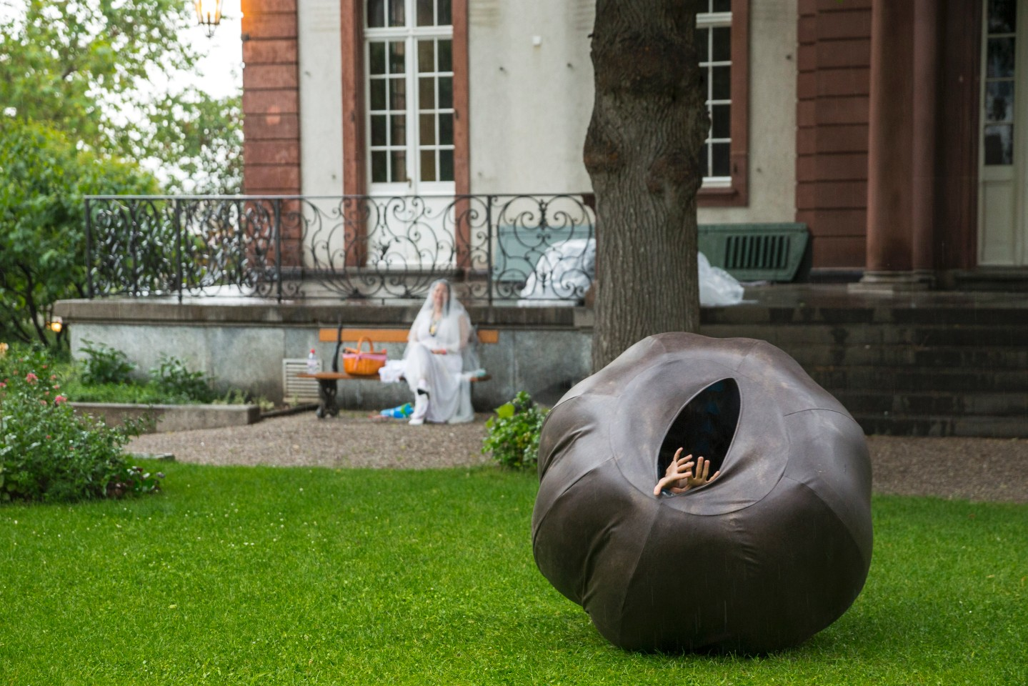 Скульптура Трейси Роуз,Goodman Gallery