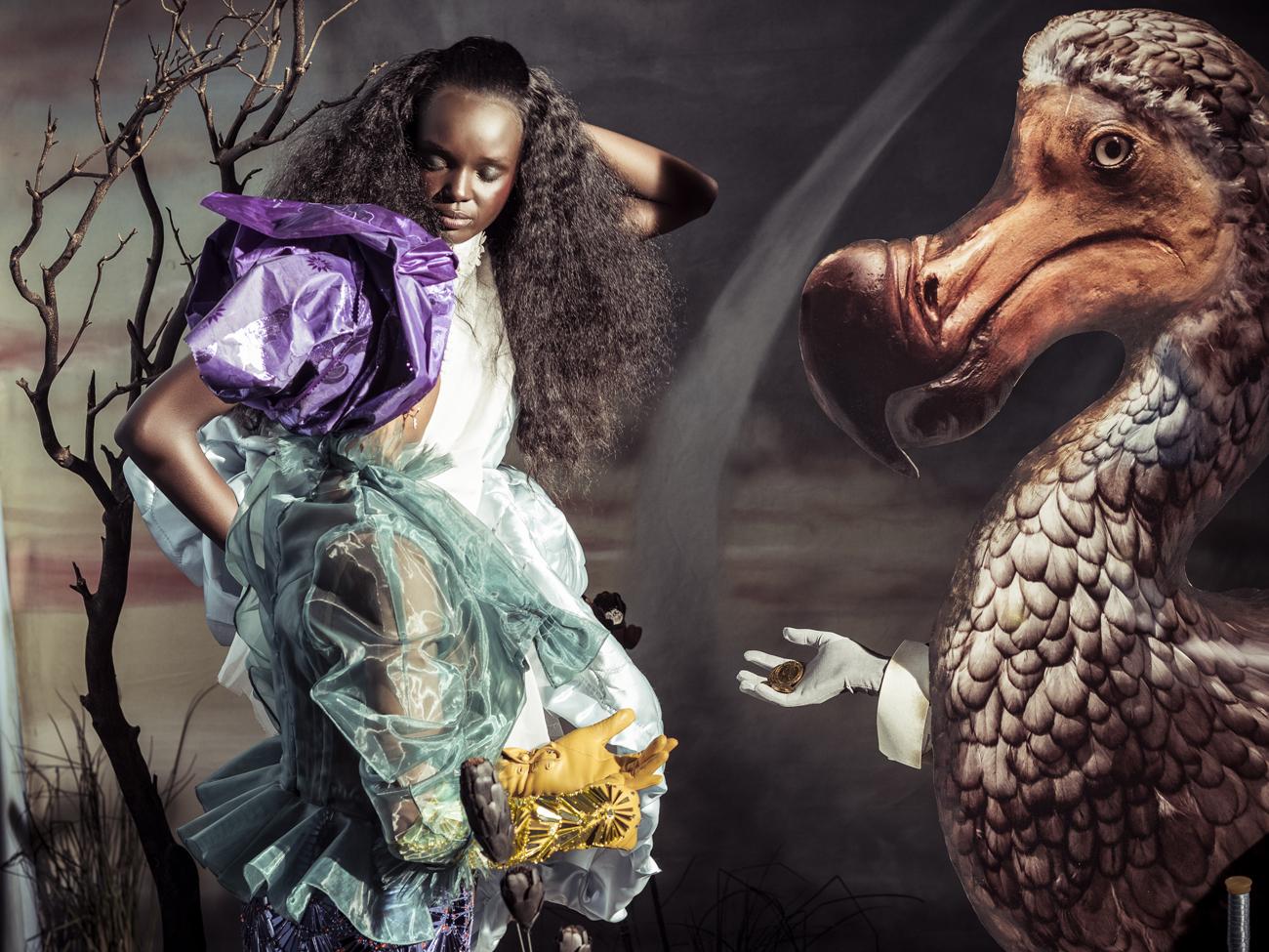 Главную роль Алисы отвели Даки Тот, австралийской модели родом из Южного Судана, которая стала известной благодаря телешоу Australia's Next Top Model