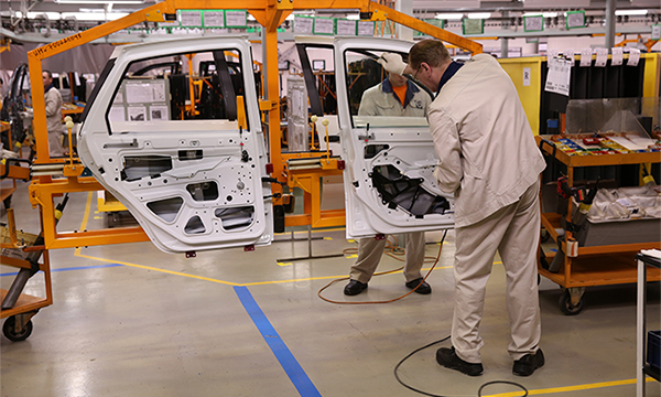 Поставщики рассказали о приостановке конвейера АвтоВАЗа