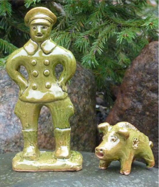 Экспонаты Музея петровской игрушки