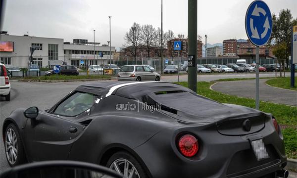 Alfa Romeo 4C получит версию Spider