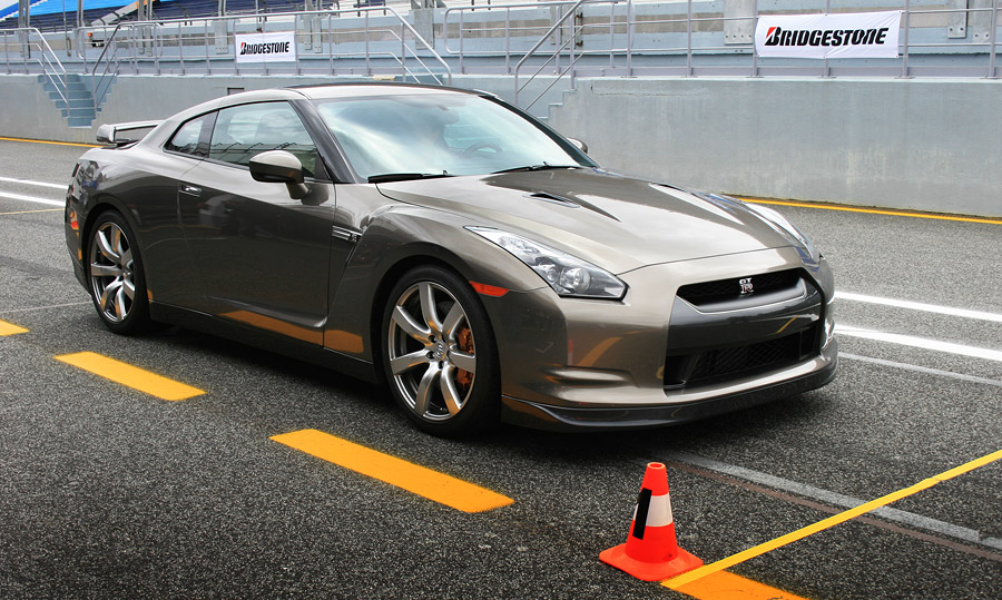 Выдающийся Nissan GT-R