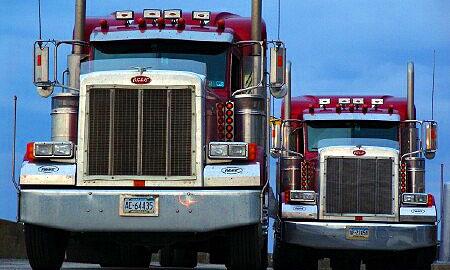 Выезд из Латвии ждут 1060 грузовиков