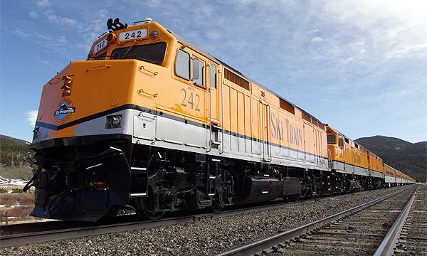 В США поезд столкнулся с грузовиком
