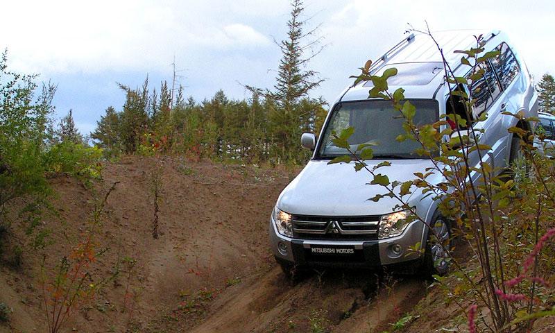 Японский тест-драйв нового поколения Mitsubishi Pajero