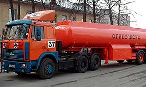 Бензовоз потерял плохо закрепленную емкость с 20 тоннами топлива