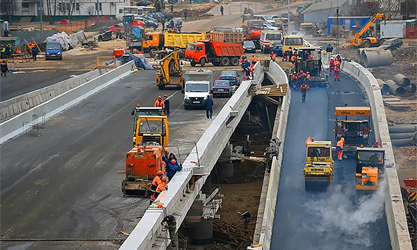 «Ямочный ремонт остался в прошлом». Что будет с дорогами в 2015 году