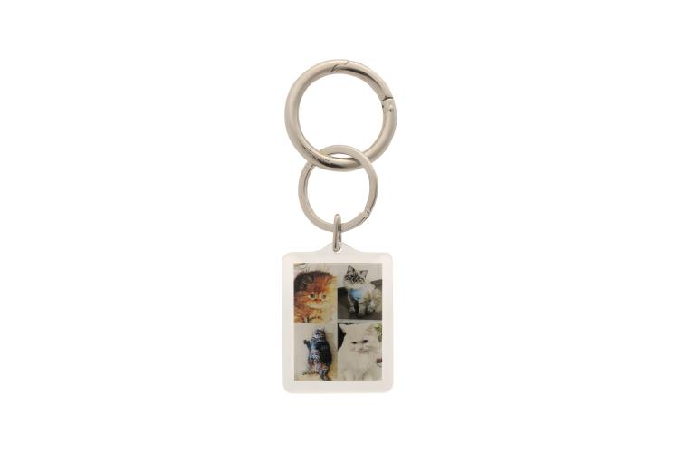 Брелок для ключей Balenciaga, 34 900 руб. (ЦУМ)