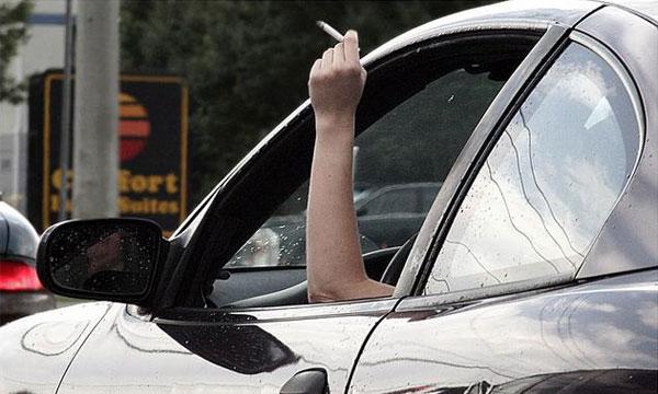 Водителям запретят курить за рулем