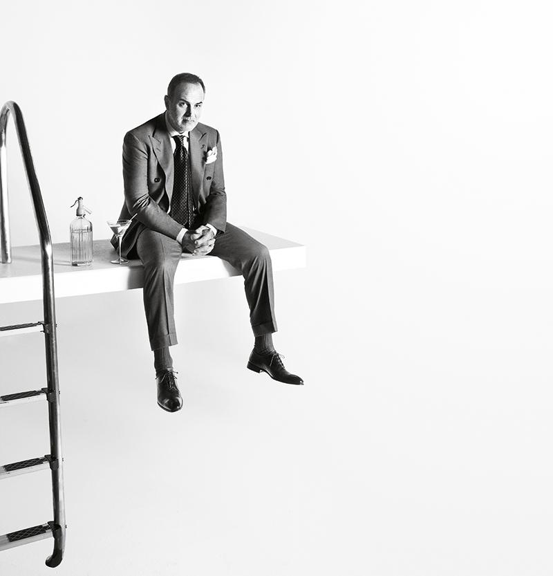 Генеральный директор Isaia Джанлука Изаиа уверен, что стиль невозможно купить, его можно и нужно создать самостоятельно. Кадр из кампании, посвященной коллекции тканей Aqua Series.