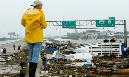 Ураган Айк устроил в Техасе транспортный коллапс