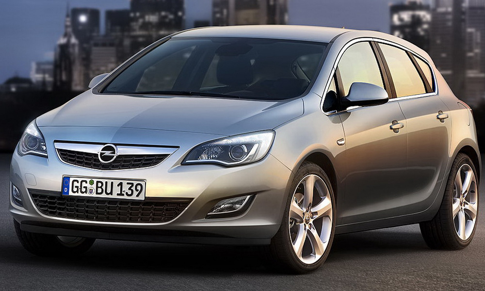 Opel официально показал Astra 2010