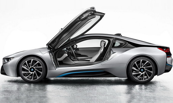 Серийная BMW i8 получит двери в стиле Lamborghini