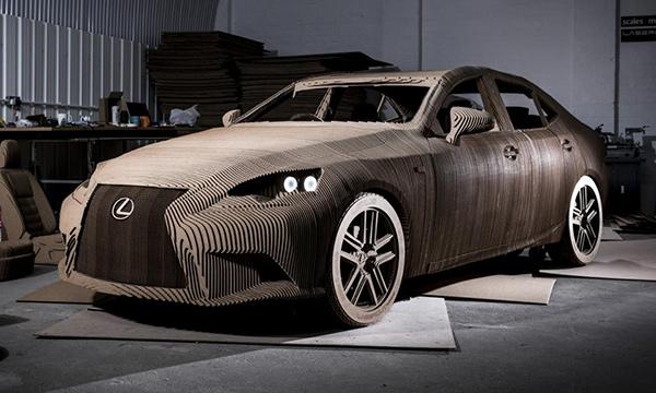 Lexus показал седан IS из картона