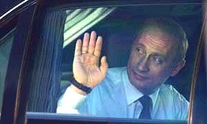 Путин считает недопустимым сопровождение частных авто милицией