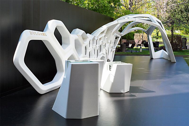 Инсталляция Serpenti в Милане