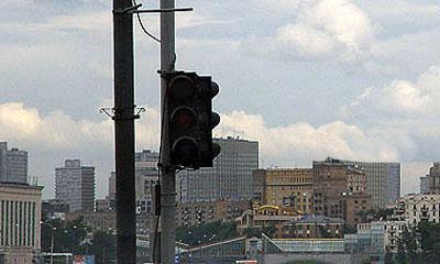 На оживленном перекрестке в Москве отключились все светофоры