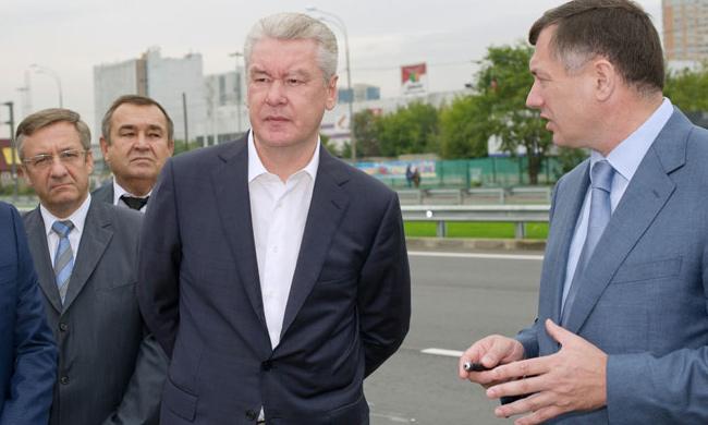 Мэр Москвы Сергей Собянин открыл Лианозовский проезд, который в ходе реконструкции расширили с трех до семи полос.