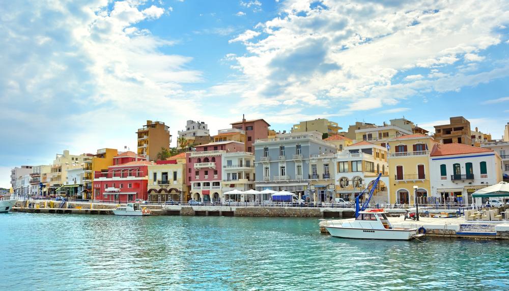Город Агиос Николаос на острове Крит, Греция