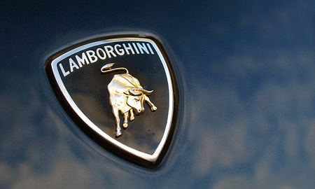 Lamborghini выпустит четырехместный Aventador