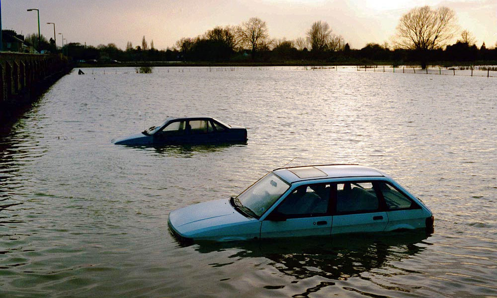 Россию вновь заполонят автомобили-«утопленники»