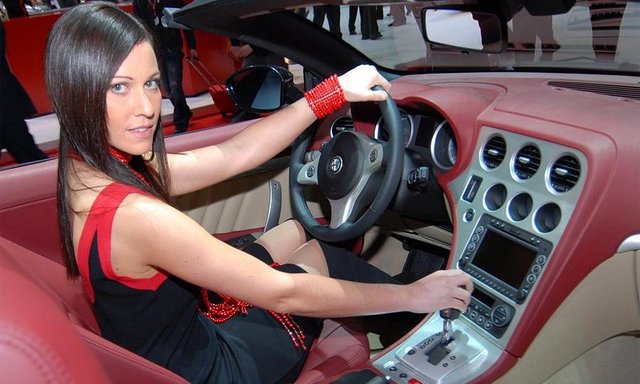 Лучший подарок женщине – автомобиль. Выбираем сердцем