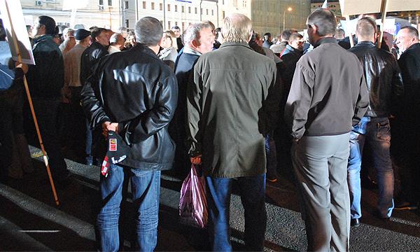 Платные парковки приведут к автомобильному Майдану