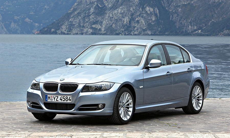 Чистая прибыль BMW сократилась почти в 10 раз