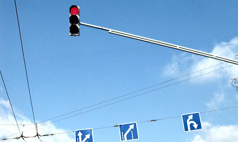 ГИБДД начала продавать светофоры коммерсантам