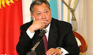 Курманбек Бакиев разрешил правый руль