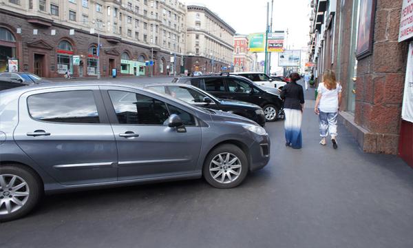 Парковаться бесплатно в центре разрешат по 46 адресам