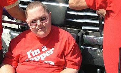 Грузовик шесть километров толкал по шоссе инвалида в коляске